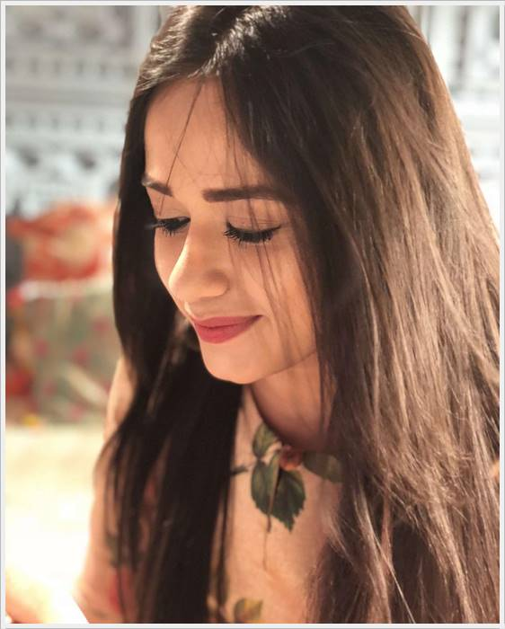 jannat zubair images in new hairstyle look