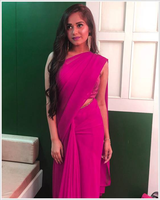 jannat zubair rahmani in orange dress image pics